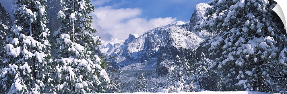 Wall Decal entitled Mountains and waterfall in snow, Tunnel View, El Capitan,
