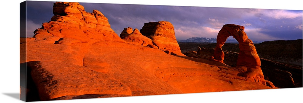 Solid-Faced Canvas Print Wall Art entitled Evening Light at Delicate Arch Arches